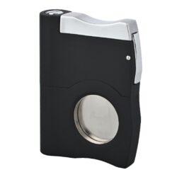 Doutníkový ořezávač a vyštípávač Angelo, černý-Dva v jednom - kvalitní kovový ořezávač na doutníky a vyštípávač Angelo. Precizně zpracovaný jednostranný doutníkový ořezávač (gilotina) spolu s vyštípávačem v kovovém těle. Povrch těla je v elegantní  a příjemné matné úpravě. Po odjištění boční pojistky, vyjede ostří ořezávače a Vy můžete stiskem horní části doutník oříznout. Průměr otvoru na doutník je 2 cm. Na druhé boční straně je umístěn doutníkový vyštípávač s ostřím s dvěma průměry 0,6 a 0,8 cm. Každodenní pomůcka kuřáka doutníků, která by neměla chybět v jeho výbavě. Doutníkový ořezávač je dodávaný v dárkové krabičce. Rozměr ořezávače je 4,6x6,1 cm.