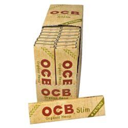 Cigaretové papírky OCB Slim Organic + Filters-Cigaretové papírky OCB Slim Organic +Filters. Papírky jsou vyrobené z ultratenkého konopného papíru. Knížečka obsahuje 32 papírků + 32 filtrů. Rozměry papírku: 44x109mm. Prodej pouze po celém balení (displej) 32ks. Cena je uvedená za 1ks.