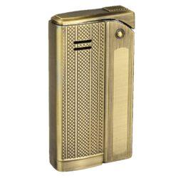Zapalovač Faro Slim Gold-Stylový zapalovač Faro Slim. Kovový zapalovač s jemně gravírovaným povrchem je v polomatném zlatém patinovaném provedení. Po stisknutí horního krytu zapalovače se plamen zapálí. Ve spodní části zapalovače najdeme plnící ventil plynu a ovládání intenzity plamene. Zapalovač je dodáván v dárkové krabičce. Výška 5,9cm.