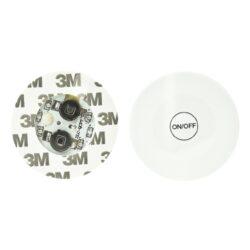 Osvětlení pro bongy a vodní dýmky LED, 60mm-Barevné LED osvětlení pro bongy a vodní dýmky. Osvětlovací modul je vybavený čtyřmi diodami a z druhé strany přepínačem ON/OFF, kterým se při každém zapnutí mění barva světla. Pro uchycení osvětlení slouží oboustranná lepící páska, která je na obvodu osvětlení. Napájení zajišťuje 2x baterie CR1220 3V. Průměr osvětlovací jednotky je 60mm, výška 4mm.