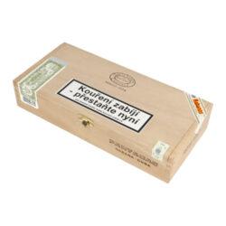 Doutníky Partagas Serie D No.5, 25ks-Kubánské doutníky Partagas Serie D No.5. Doutníky Partagas jsou rychle rozpoznatelné a to svojí příjemnou zemitou chutí a kořeněnou příchutí. Při ruční výrobě se používají vybrané tabákové listy ze známých plantáží v oblasti Vuelta Abajo. Díky chuti a vůni, kterou doutníky Partagas Serie D No.5 mají, jsou velmi oblíbené mezi kuřáky doutníků. Doba hoření je cca 45-60 minut. Doutníky Partagas Serie D No.5 jsou balené po 25 ks v originální cedrové krabici Partagas a prodávají se pouze po celém balení.  Délka: 110 mm Průměr: 19,8 mm Velikost prstýnku: 50 Tvar/velikost doutníku: Petit Robusto Typ doutníku dle skladování: doutník vlhký  Původ doutníku: Kuba Krycí list: Kuba Vázací list: Kuba Náplň: Kuba Síla tabáku: full