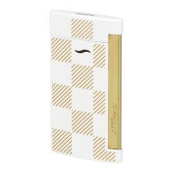 Zapalovač S.T. Dupont Slim 7 Checkered white-Elegantní tryskový zapalovač S.T. Dupont Slim 7 Checkered white známé francouzské značky. Luxusní slim zapalovač z nové kolekce zapalovačů Dupont Slim 7 má povrch v bílém lesklém provedení kombinovaný se zlatými prvky. Kovový zapalovač je zdobený šrafovanými čtverci a gravírovaným logem S.T. Dupont. Velmi tenký profil (pouhých 7 mm) zapalovače a jeho precizní zpracování zaujmou na první pohled každého. Turbo zapalovač S.T. Dupont je vybavený jednou tryskou, která po zažehnutí vytvoří silný plochý plamen. Takový plamen zapálí lehce nejen cigaretu, ale i Váš oblíbený doutník. Ve spodní části zapalovače Dupont najdeme nastavení intenzity plamene a plnící ventil plynu. Zapalovač je dodáván v originální dárkové bílé krabičce. Zapalovače S.T. Dupont nejsou při dodání naplněné plynem. Rozměry: 6,7 x 3,7 x 0,7 cm.  a target=_blank href=https://youtu.be/nTW7ZtQWoNQ3D prezentace produktu/a