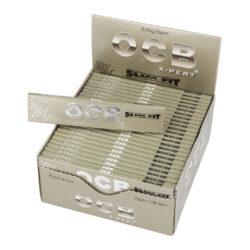 Cigaretové papírky OCB X-Pert Slim Fit-Cigaretové papírky OCB X-Pert Slim Fit. Papírky jsou vyrobené z ultratenkého papíru velikosti XS. Knížečka obsahuje 32 papírků. Rozměry papírku: 40x109mm. Prodej pouze po celém balení (displej) 50ks.