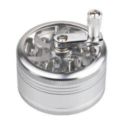Drtič tabáku s kličkou, Alu-Kovový drtič tabáku s kličkou. Třídílný se závitem a sítkem. Rozměry drtiče tabáku: průměr 60mm, výška 55mm.
