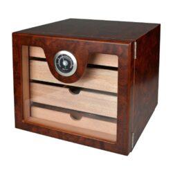 Humidor na doutníky Cabinett hnědý 60D, stolní-Stolní humidor na doutníky s kapacitou cca 60 doutníků. Dodáván s vlhkoměrem a polymerovým zvlhčovačem. Rozměr: 23x25x21 cm.