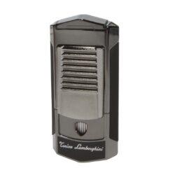 Tryskový zapalovač Lamborghini Sepang, černý-Značkový tryskový zapalovač Tonino Lamborghini Sepang vhodný k zapalování doutníků. Kvalitně zpracovaný zapalovač obsahuje na spodní straně nastavení intenzity plamene a ventil pro plnění. Na přední straně najdete okénko, kde je možné vidět hladinu plynu v zapalovači. Tryskový zapalovač je dodáván v kožené krabičce vyložené jemným sametem. Výška 8cm.