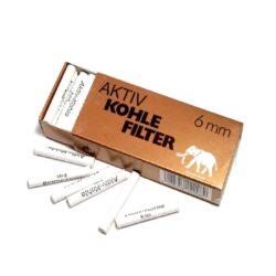 Filtry do dýmky White Elephant 6mm, uhlíkové, 45ks-Uhlíkové filtry do dýmky White Elephant. Filtr do dýmky má průměr 6mm. Tyto dýmkové filtry na bázi aktivního uhlí Vám dopřejí velmi jemnou chuť a požitek z kouření. V balení 45 ks filtrů.