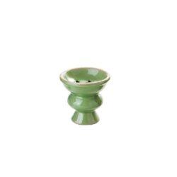 Náhradní korunka pro vodní dýmku keramická, 25mm-Náhradní keramická korunka na vodní dýmky v barevném provedení. Univerzální korunka pro vodní dýmku má leskle glazovaný povrch. Korunka klasického typu vhodná pro širokou škálu vodních dýmek je vybavená prohnutým dnem s pěti otvory.  Rozměry korunky: Výška: 5,7 cm Průměr otvoru pro nasazení: 2,5 cm