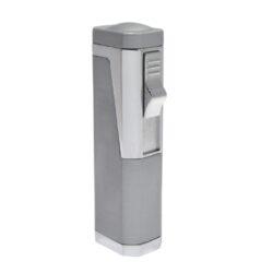 Doutníkový zapalovač Eurojet Rio, sříbrný-Doutníkový zapalovač. Tryskový zapalovač na doutníky obsahuje integrovaný vyštípávač. Zapalovač je plnitelný. Doutníkový zapalovač je dodáván v dárkové krabičce. Výška 7,7cm.