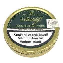 Dýmkový tabák Davidoff Scottish Mixture, 50g-Dýmkový tabák Davidoff Scottish Mixture. Lehká, chutná a aromatická směs se střením řezem s čerstvým a delikátně květnatým aroma, které propůjčuje velmi příjemnou vůni. Jedna z nejvíce populárních dýmkových směsí vytvořená z vybraných listů tabáků Virginia, Burley, Kentucky a malého přídavku orientálních tabáků, zjemněná douškem jemné Scotchwhisky. Balení plechová krabička 50g.
