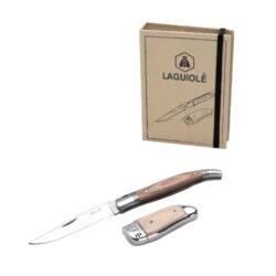 Laguiole sada zapalovač s nožem-Dárková sada Laguiole. Sada obsahuje zapalovač a skládací nůž. Kovový zapalovač je plnitelný. Výška zapalovače je 7,5cm. Délka kovového rozloženého nože je 21,5cm, složeného 11,5cm.