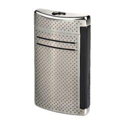 Zapalovač S.T. Dupont Maxijet, gunmetal dot-Kvalitní tryskový zapalovač S.T. Dupont Maxijet známé francouzské značky. Za preciznost zpracování kovového zapalovače hovoří sama značka S.T. Dupont. Díky silnému plamenu je vhodný nejen k zapalování cigaret, ale i doutníků. Na boční straně je umístěné okénko, kde je možné vidět hladinu plynu v zapalovači. Na spodní části zapalovače Dupont najdete nastavení intenzity plamene a ventil na plnění plynem. Zapalovač je dodáván v dárkové bílé krabičce s logem. Výška: 6,5cm. Zapalovače S.T. Dupont nejsou při dodání naplněné plynem.