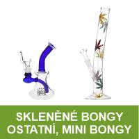 Skleněné bongy a mini bongy v různých tvarech a barvách. Vybírejte oblíbené skleněné bongy s listy konopí, tříbarevné bongy Rasta nebo barevné malé bongy za skvělé ceny. Nabízíme též moderní skleněné bongy s perkolací Grace Glass.